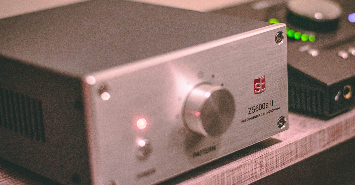 SE Electronics Z5600A II microphone